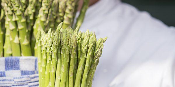 Tip van de chef, groene asperges